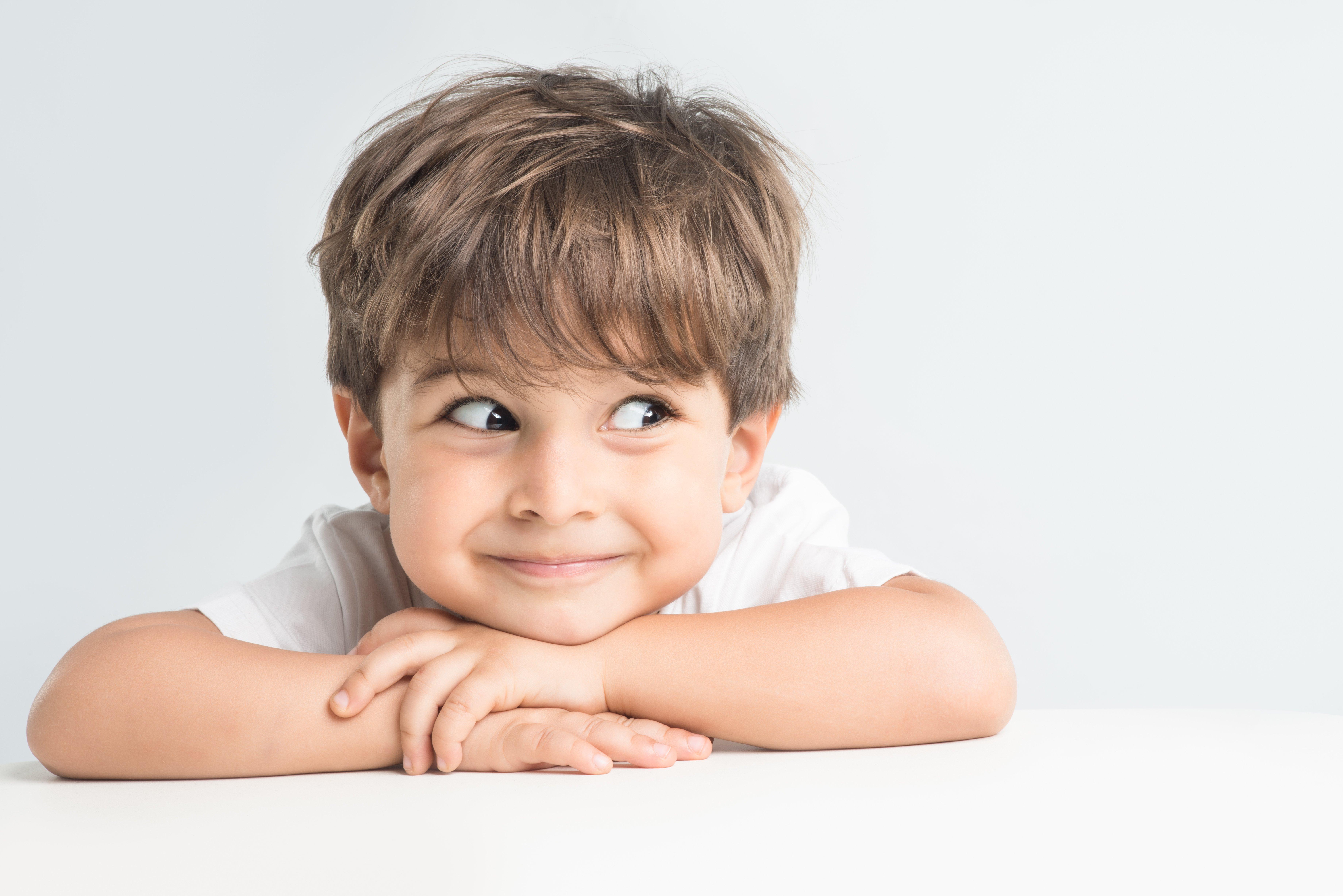 Bambino 6 Anni Non Ascolta.Come Nasce L Umorismo Dei Bambini Psicologia Contemporanea